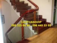 Cầu thang kính cường lực VIP K02