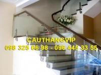 Cầu thang kính cường lực VIP K06