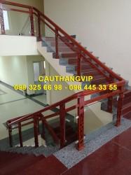 Cầu thang kính gỗ đẹp VIP K07