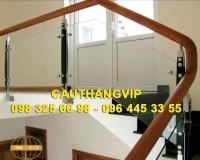 Cầu thang Kính cường lực tay vịn Gỗ VIP K08