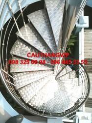 Cầu thang xương cá mặt bậc tôn nhám VIP XS02