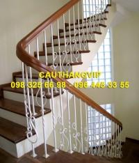 Cầu thang sắt nghệ thuật đẹp VIP SMT14