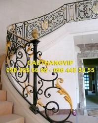 Cầu thang sắt nghệ thuật đẹp VIP SMT15