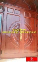 Cửa 2 cánh gỗ tự nhiên đẹp VIP C413