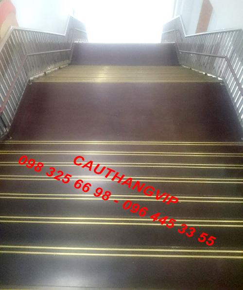 Nẹp đồng chống trượt cầu thang