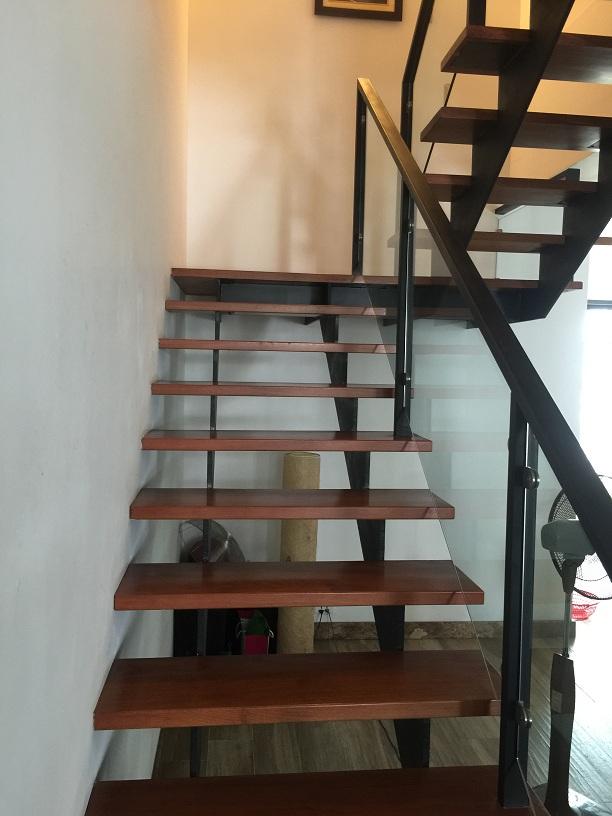 20+ mẫu cầu thang xương cá và ưu nhược điểm