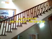 Cầu thang gỗ chữ thọ VIP-G06
