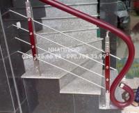 Cầu thang INOX tay vịn nhựa VIP - TN02