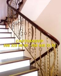 Cầu thang sắt đẹp hút hồn VIP-SMT05