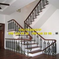 Cầu thang sắt nghệ thuật đẹp VIP SMT11