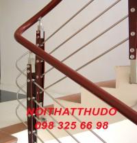Cầu thang INOX tay vịn nhựa VIP - TN04